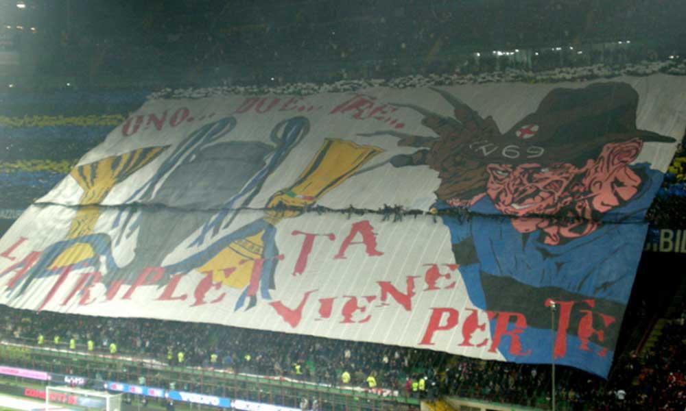 """14 Novembre 2010: """"Uno…due…tre…la tripletta viene per te"""" Derby di Milano: le più belle coreografie e striscioni nel derby tra inter e milan."""